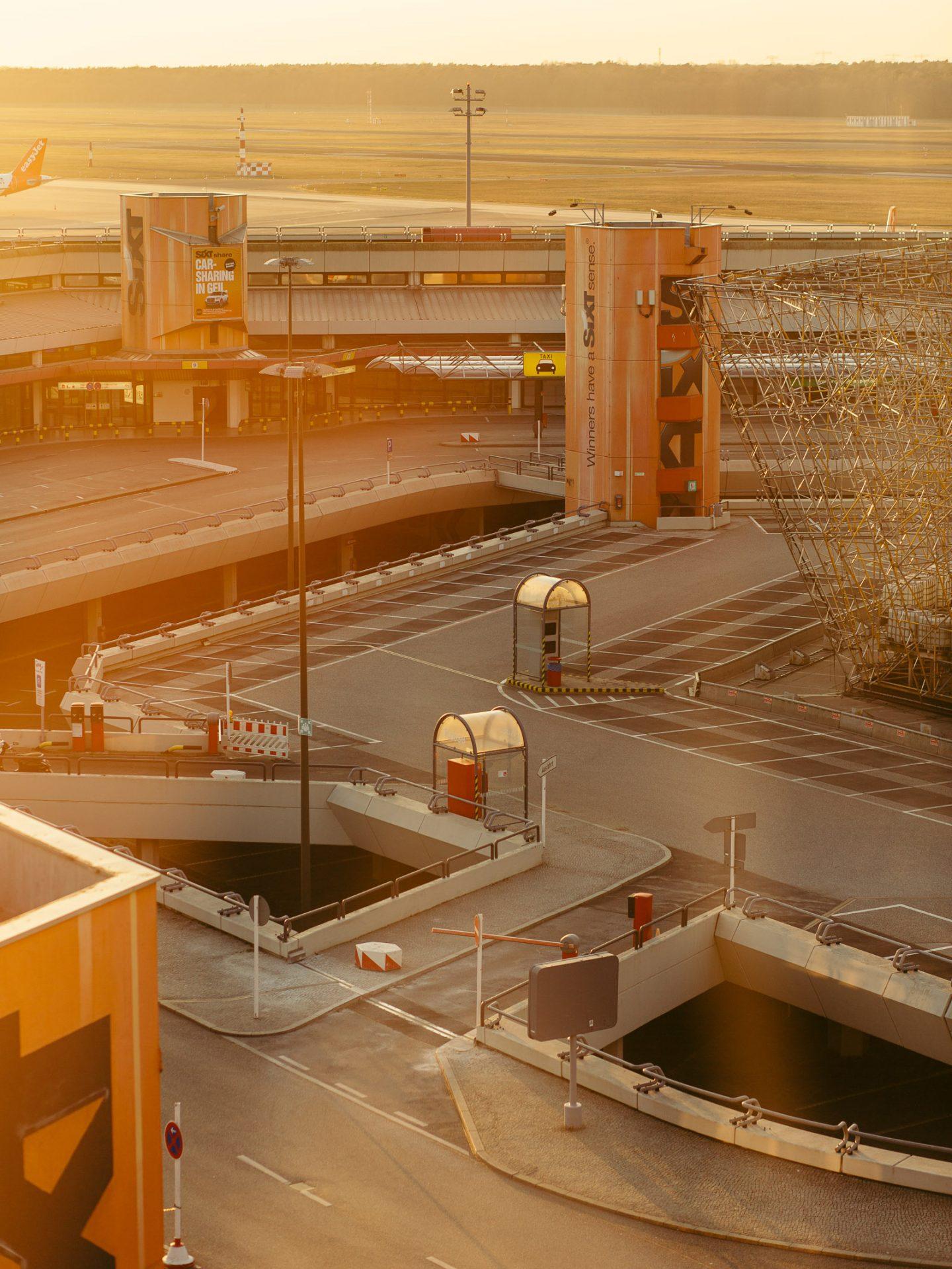 IGNANT-Photography-Flughafen-Tegel-Felix-Bruggemann-Robert-Rieger-08