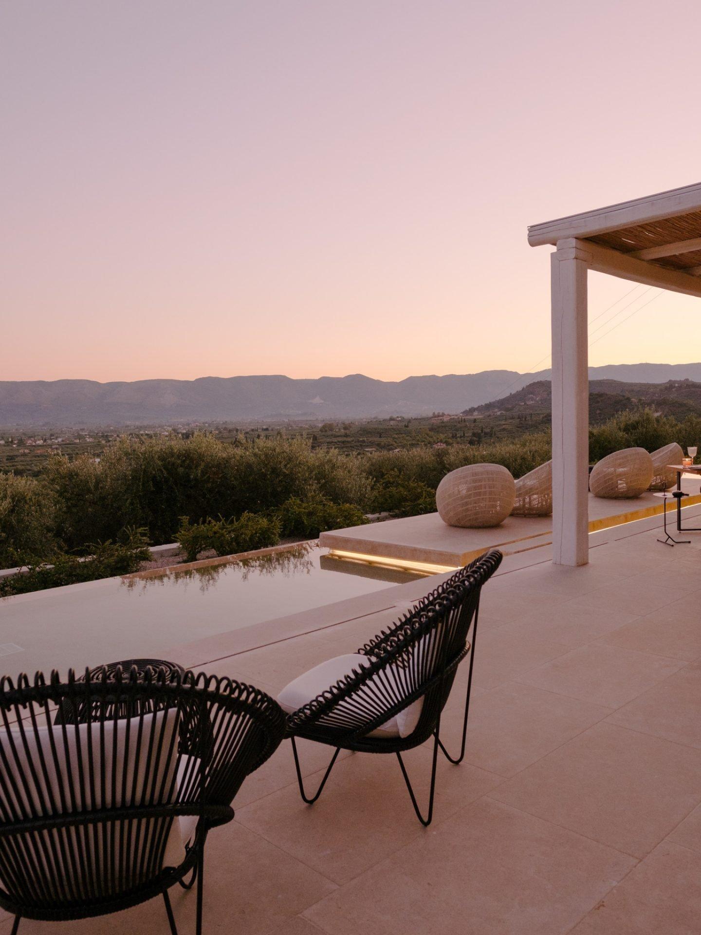 IGNANT-Travel-Olea-All-Suite-hotel-Greece-010