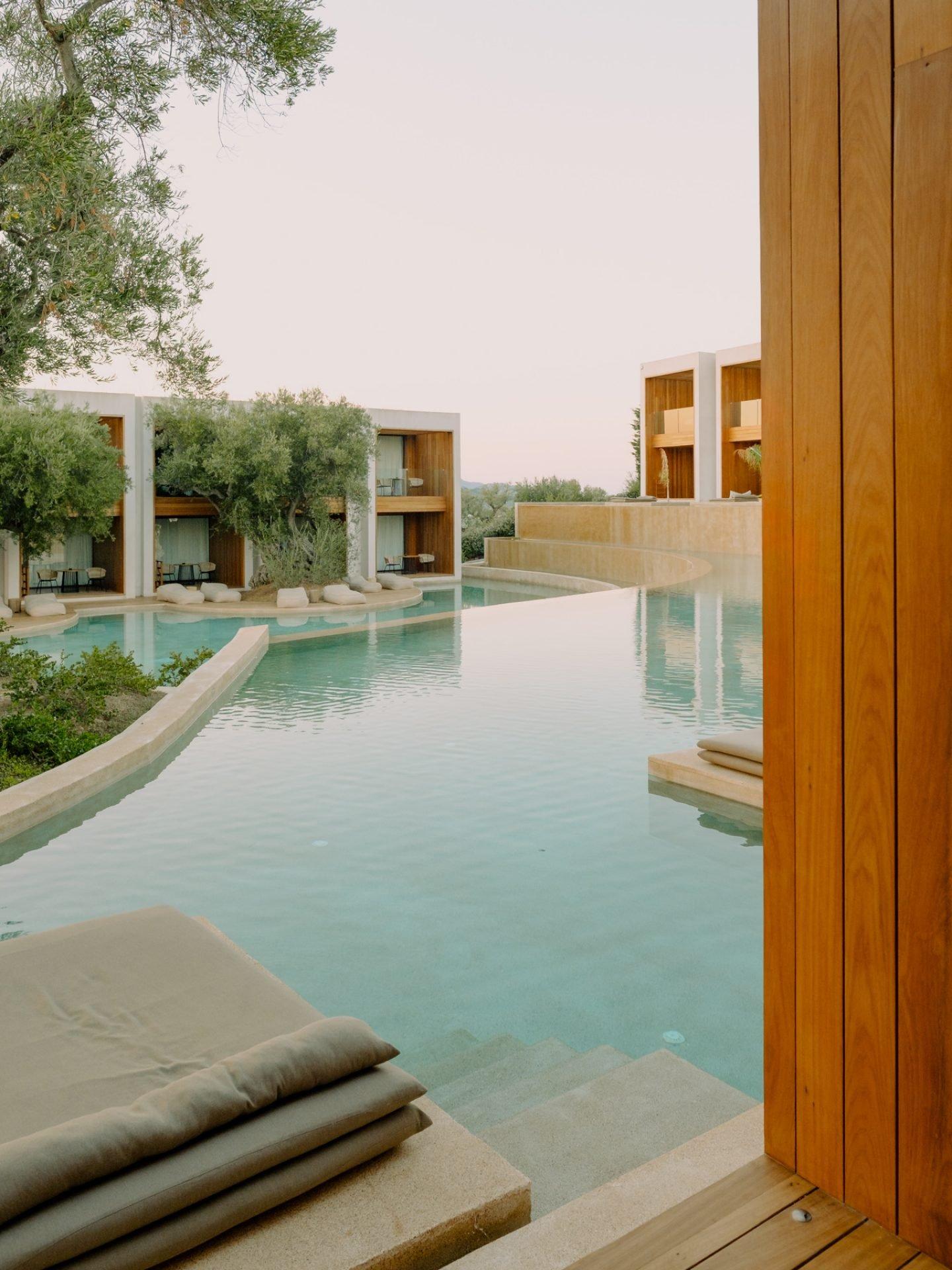 IGNANT-Travel-Olea-All-Suite-hotel-Greece-013