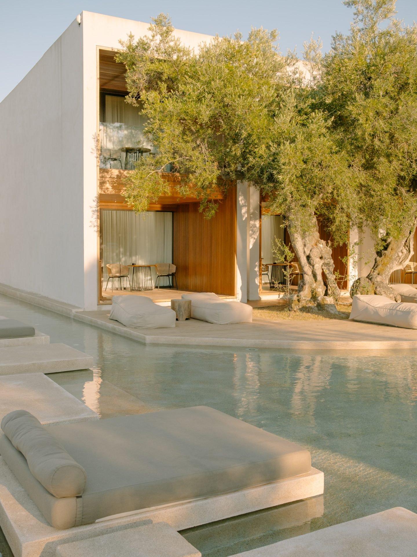 IGNANT-Travel-Olea-All-Suite-hotel-Greece-05
