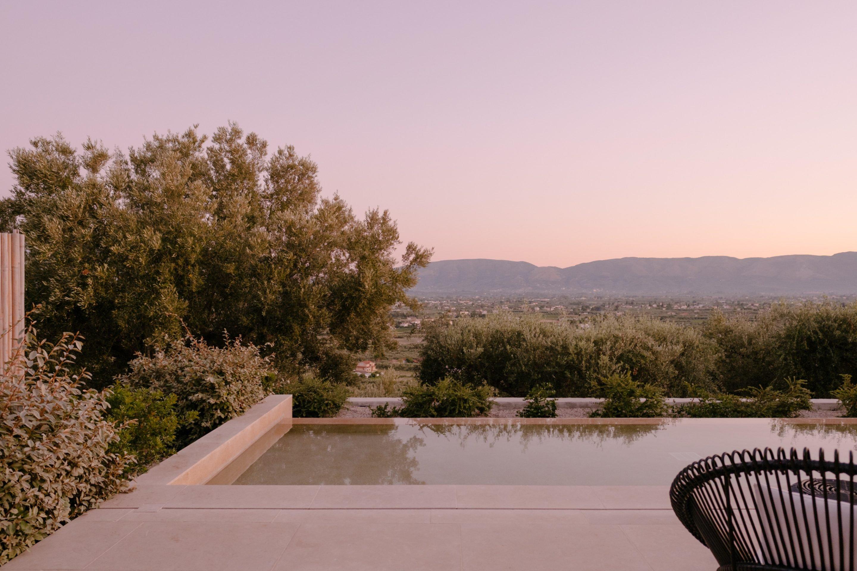 IGNANT-Travel-Olea-All-Suite-hotel-Greece-09