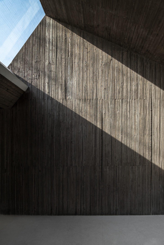 IGNANT-Architecture-Archstudio-Waterside-Buddhist-Shrine-012-min