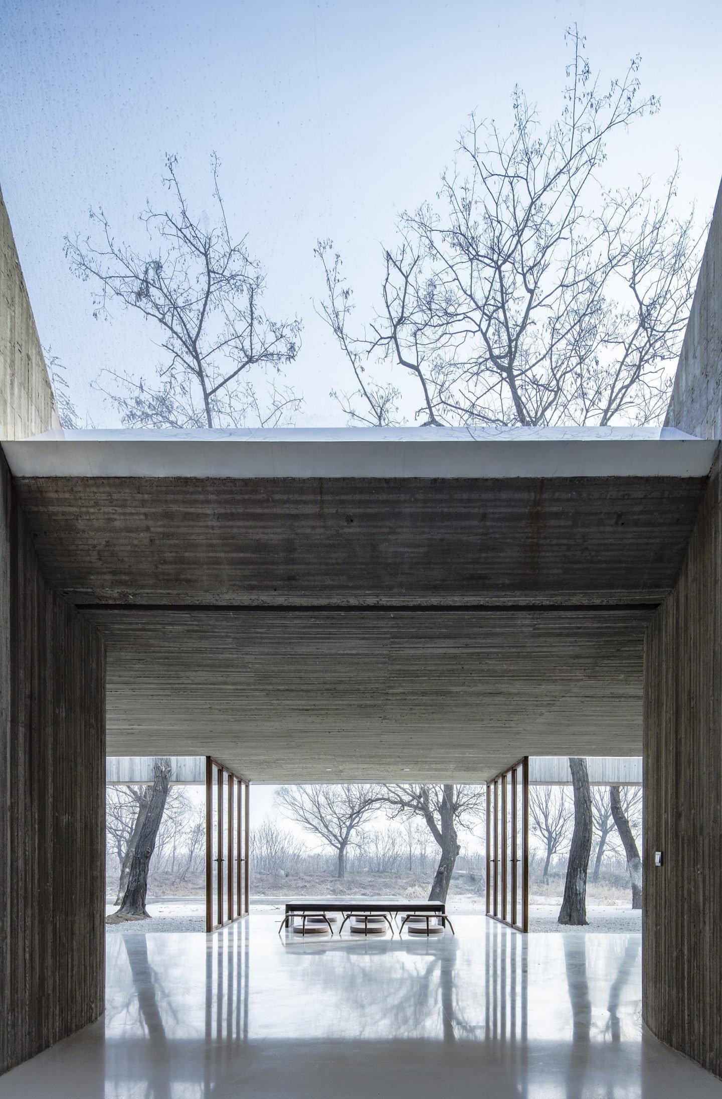 IGNANT-Architecture-Archstudio-Waterside-Buddhist-Shrine-02-min
