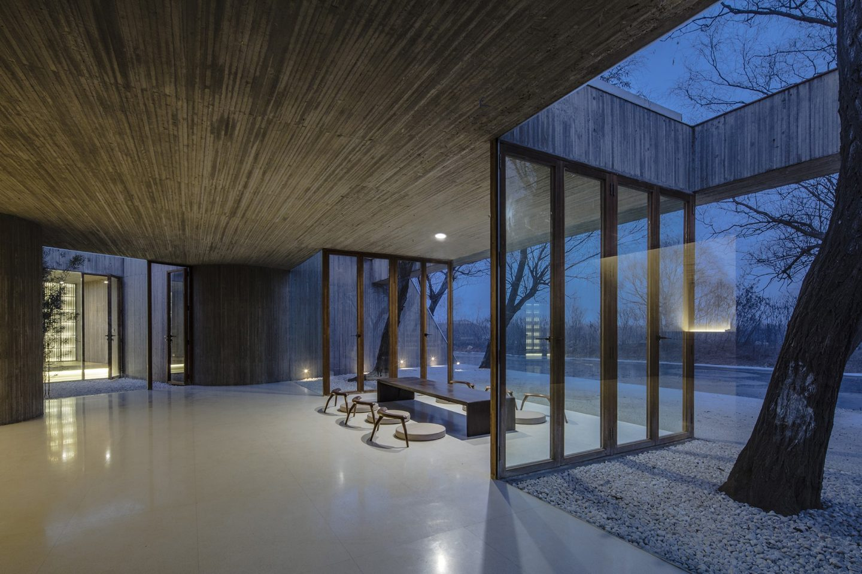 IGNANT-Architecture-Archstudio-Waterside-Buddhist-Shrine-04-min