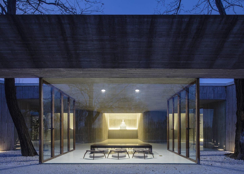 IGNANT-Architecture-Archstudio-Waterside-Buddhist-Shrine-05-min