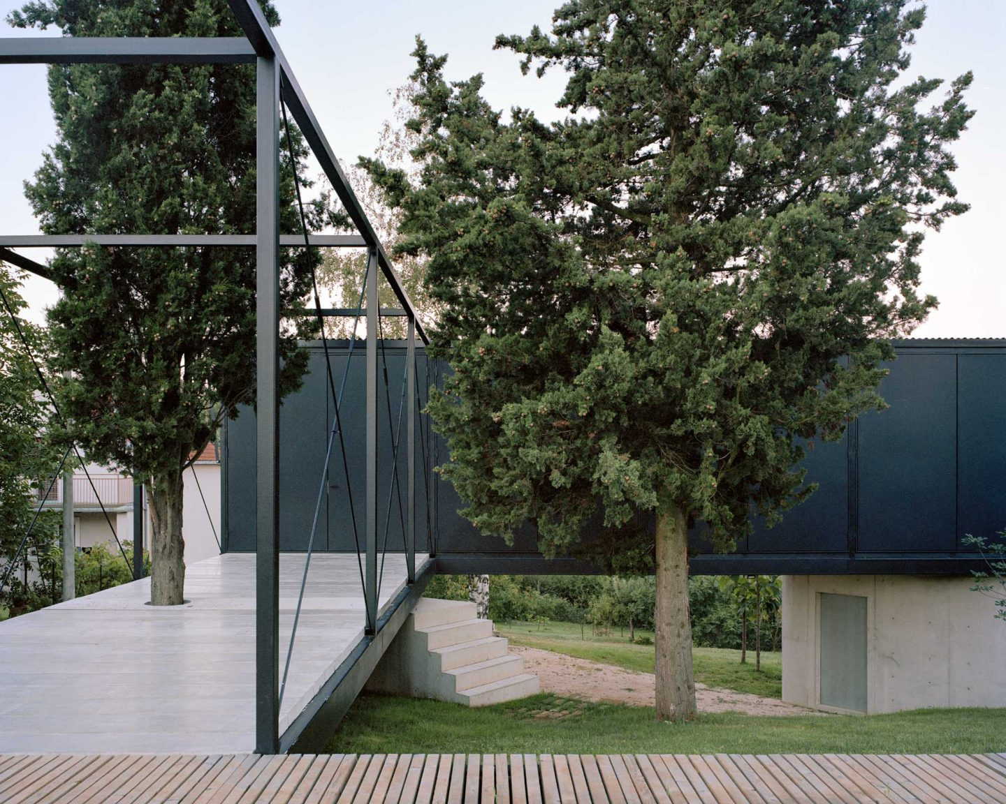 IGNANT-Architecture-AvalaHouse-MaximeDelvaux-27