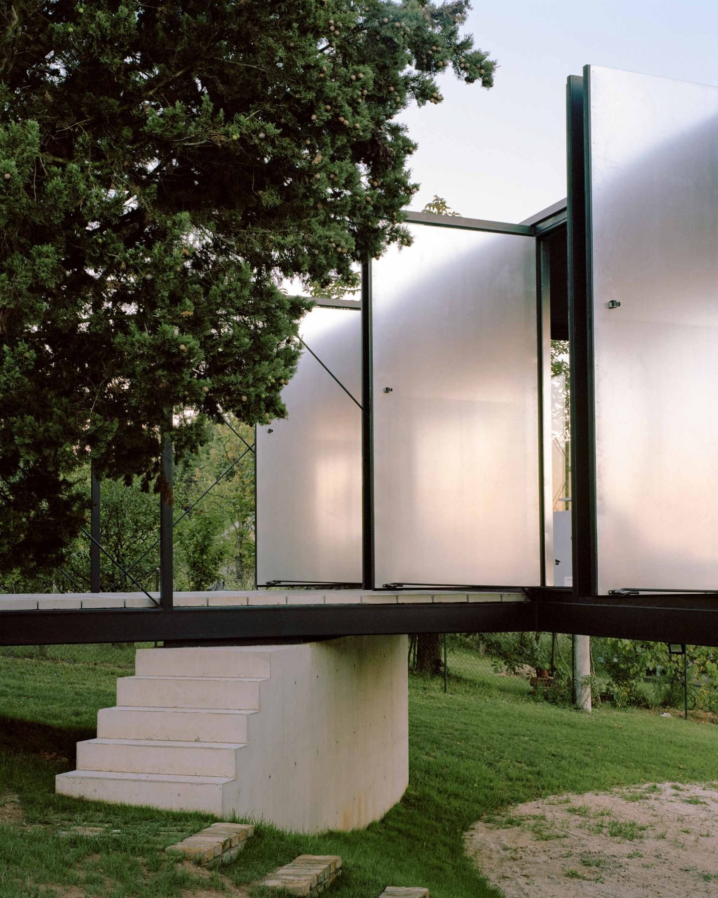 IGNANT-Architecture-AvalaHouse-MaximeDelvaux-6