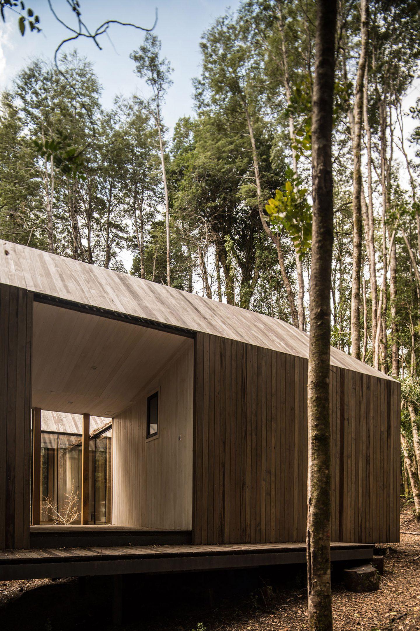IGNANT-Architecture-SAAArquitecturaoTerritorio-RefugioImpluvio-7