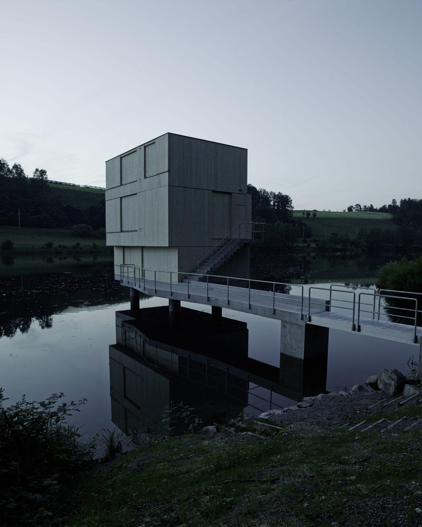 IGNANT-Architecture-TowerRotseeLake-16