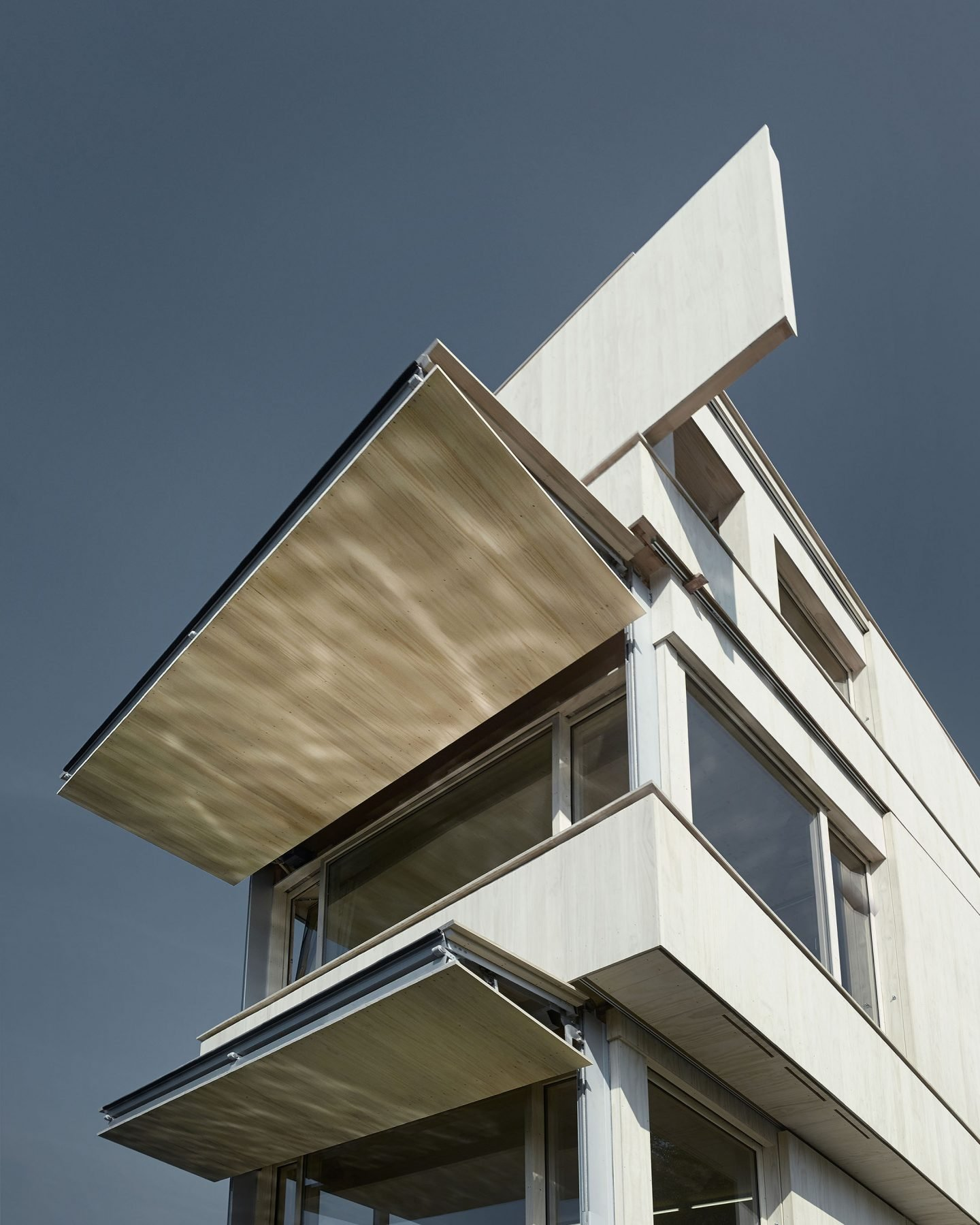 IGNANT-Architecture-TowerRotseeLake-6