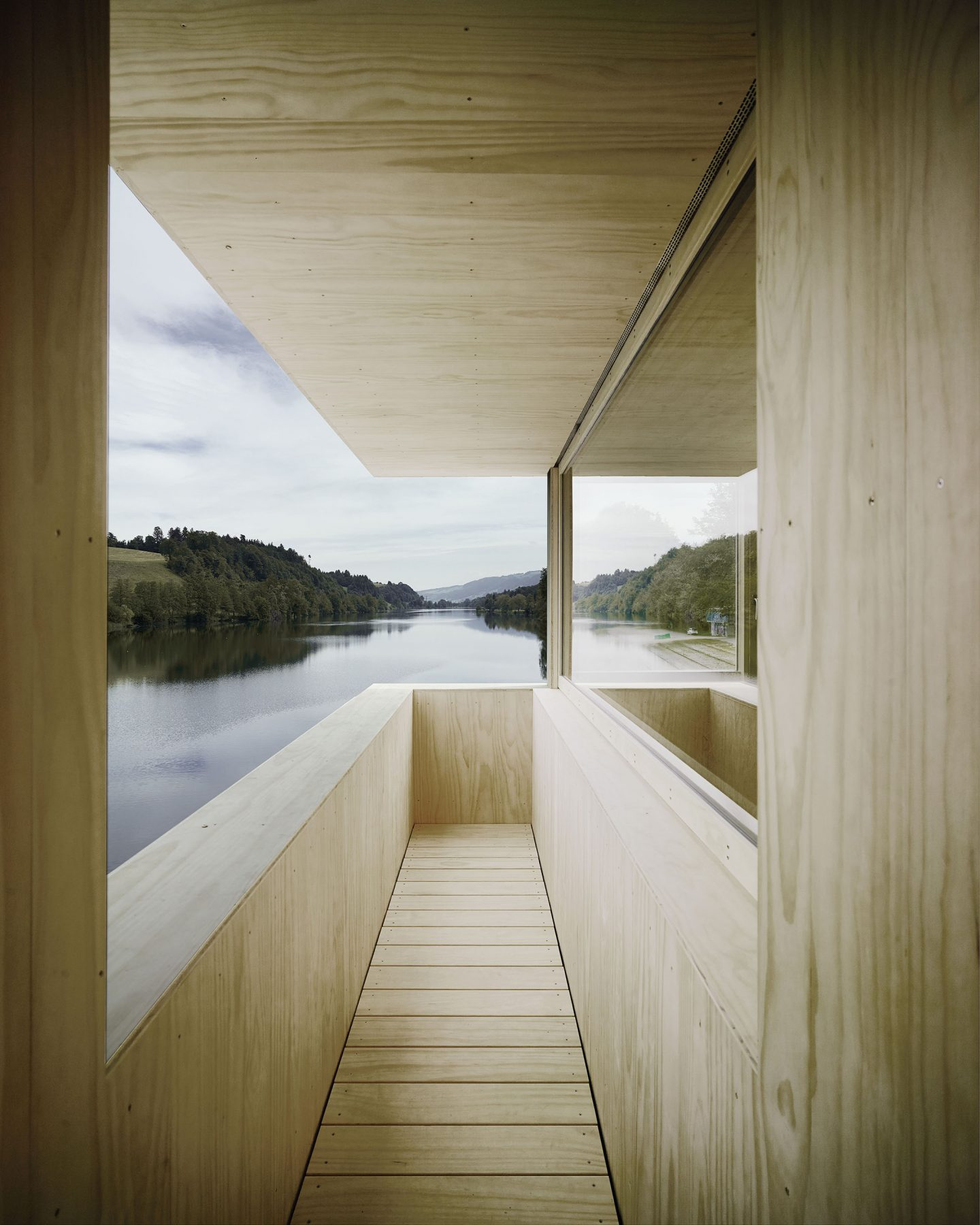 IGNANT-Architecture-TowerRotseeLake-9