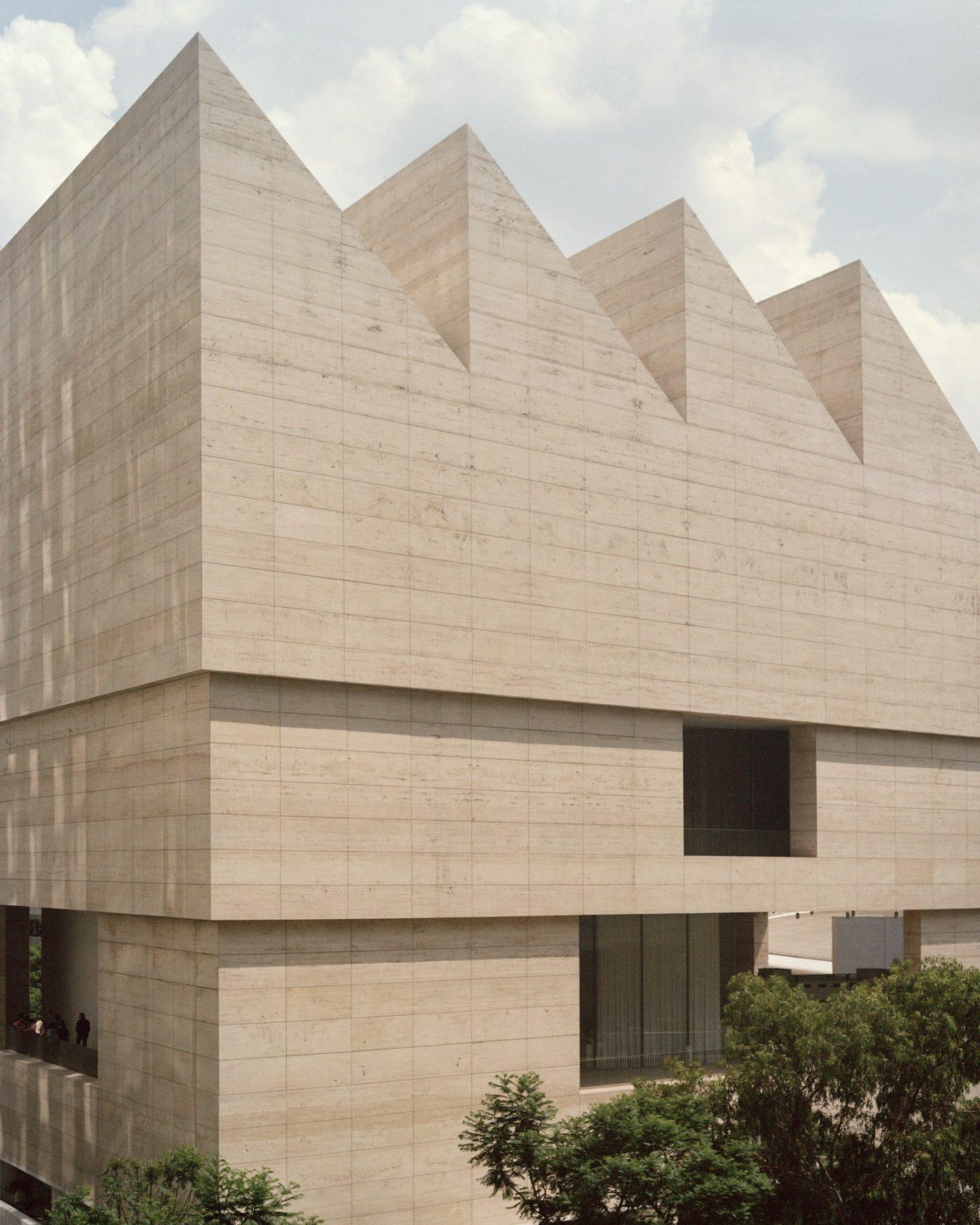 IGNANT-Travel-Museo-Jumex-Rory-Gardiner-03