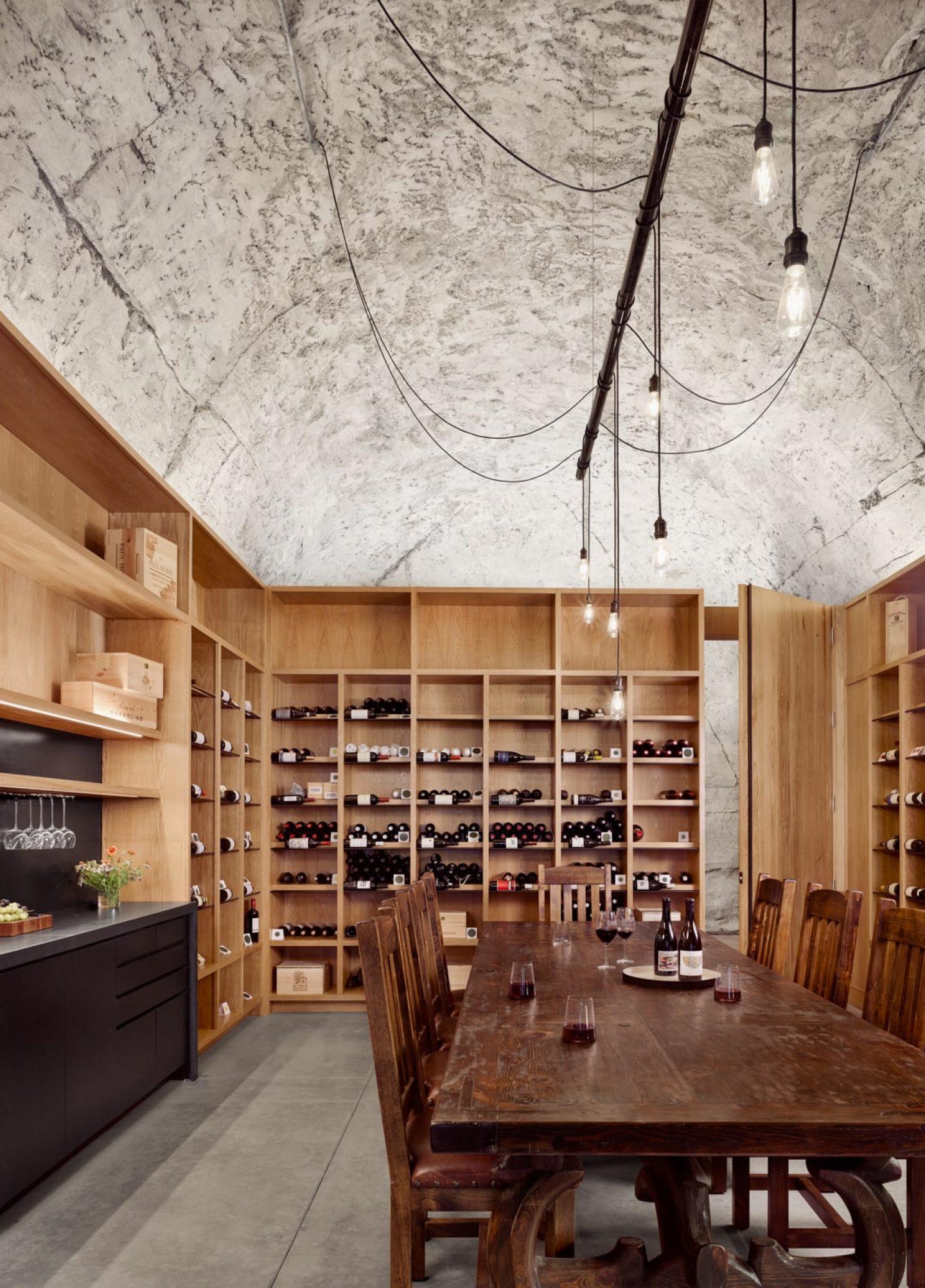 IGNANT-Architecture-Texas-Hill-wine-cave-010