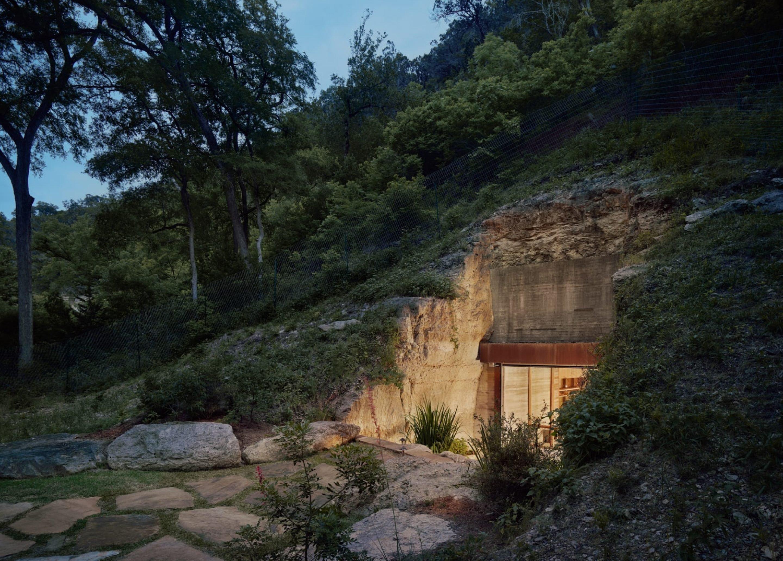 IGNANT-Architecture-Texas-Hill-wine-cave-02