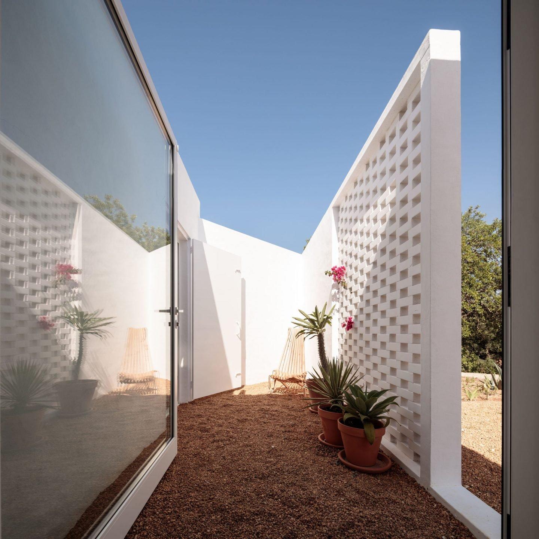 IGNANT-Architecture-Atelier-Rua-Casa-Um-06