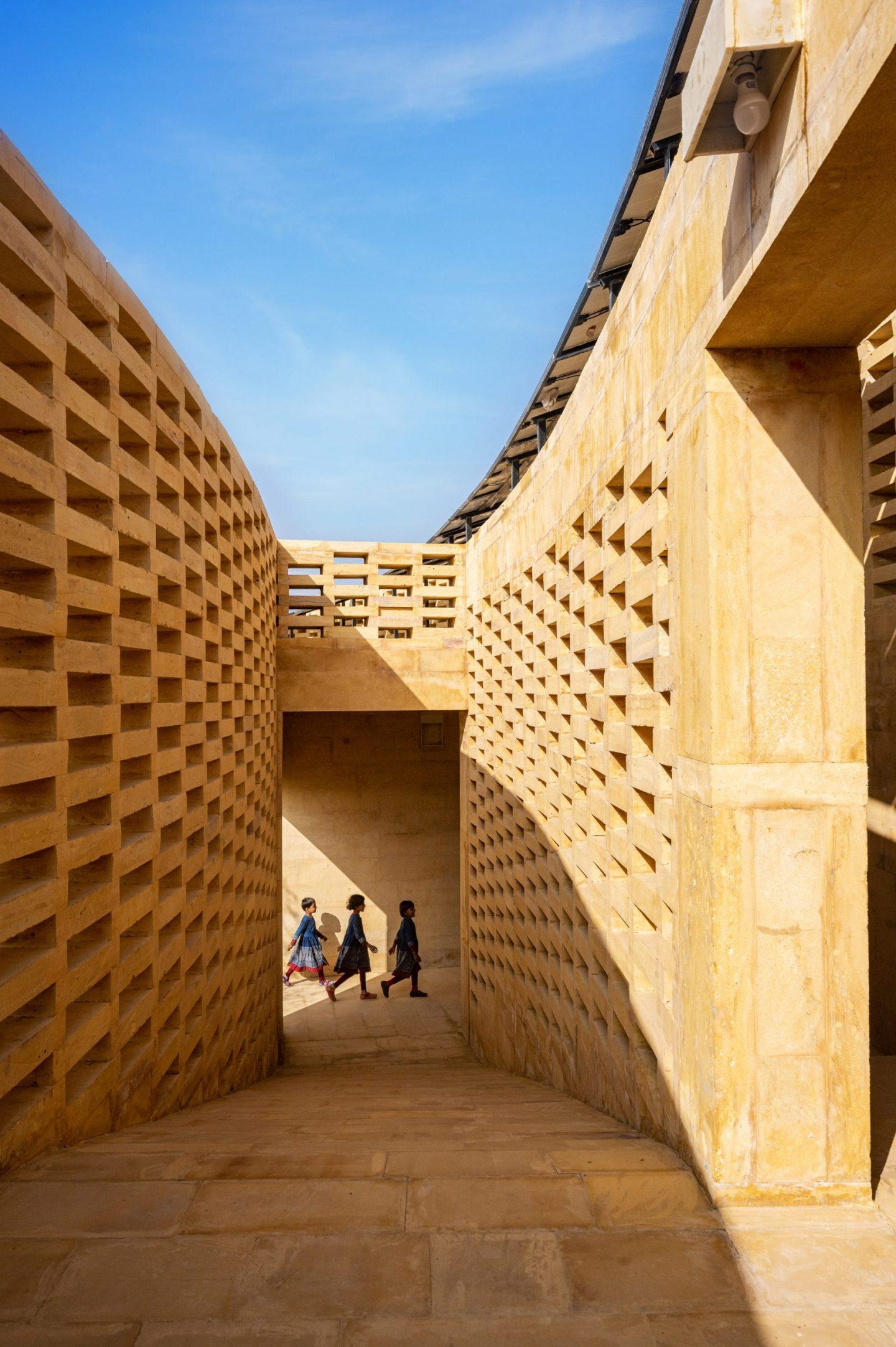 IGNANT-Architecture-Diana-Kellogg-Rajkumari-Ratnavati-School-05