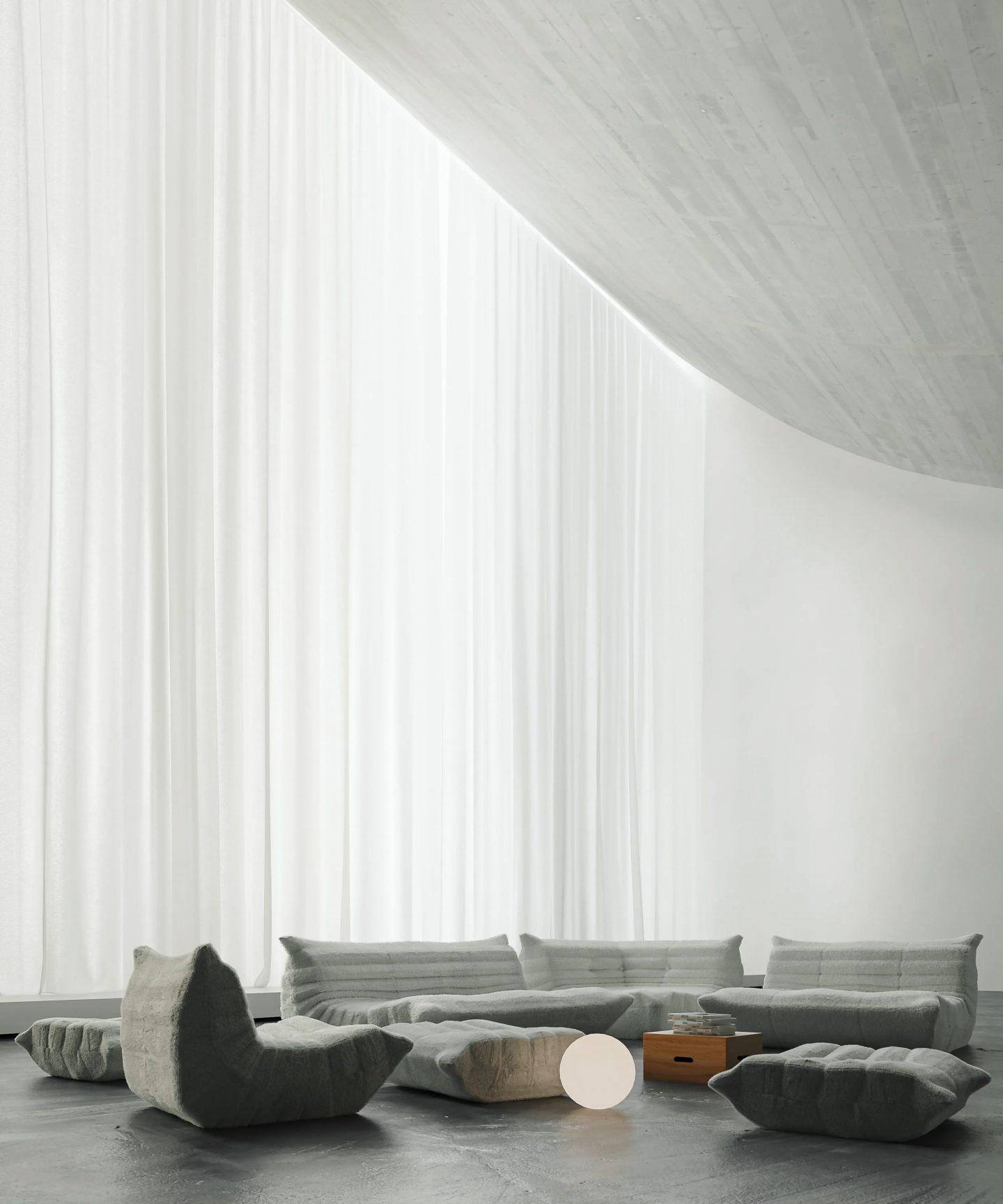 IGNANT-Design-Digital-Heliophilia-1