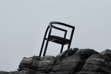 IGNANT-Design-Finder-Arch-Chair-03