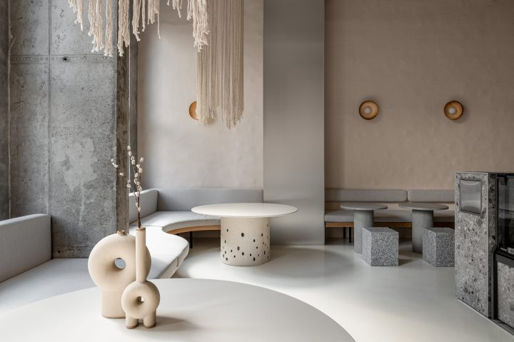 Textural Contrasts And Recycled Materials Define The Interiors Of Modern Eatery Istetyka