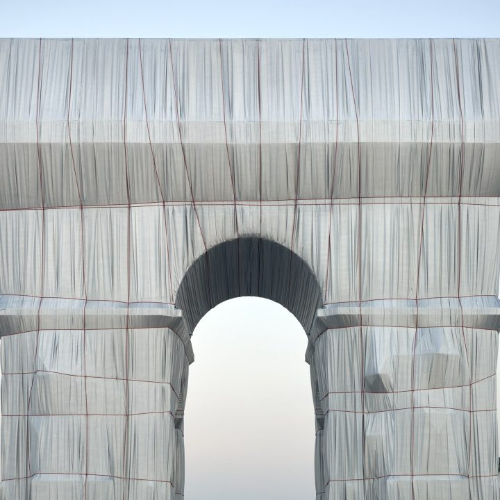 IGNANT-Photography-Arc-de-Triomphe-Yohan-Zerdoun-02